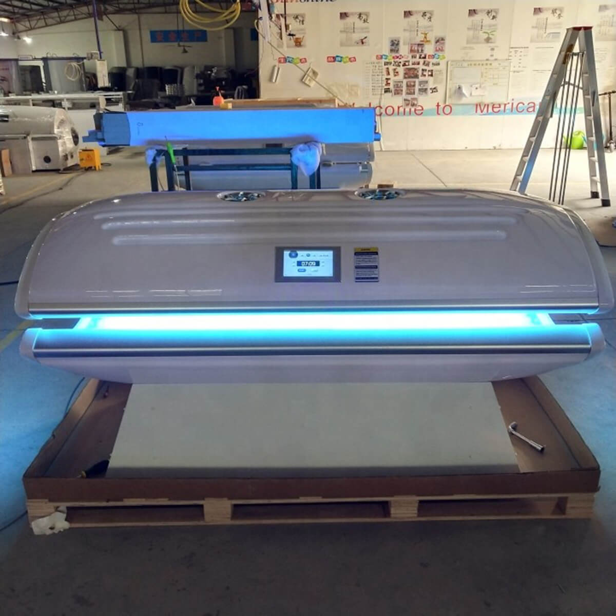 lying canopy tanning bed 3